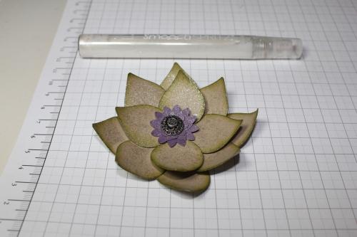 Blume/Seerose basteln mit den Framelits Formen Christbaumschmuck/Ornament Keepsakes, Bild11, gebastelt mit Produkten, Stempeln und Stanzen von Stampin\' Up!