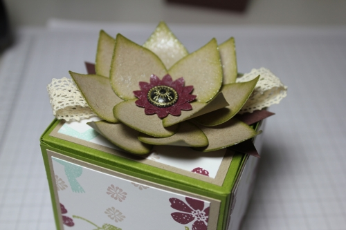 Blume/Seerose basteln mit den Framelits Formen Christbaumschmuck/Ornament Keepsakes, Bild12, gebastelt mit Produkten, Stempeln und Stanzen von Stampin\' Up!