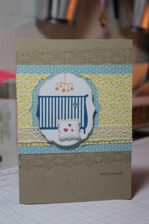 Grußkarte zur Geburt mit Babybett aus dem Stempelset Familienzuwachs, gebastelt mit Produkten, Stempeln und Stanzen von Stampin\' Up!