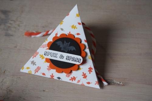 Dreiecksschachtel Halloween, Bild2, gebastelt mit Produkten von Stampin\' Up!.