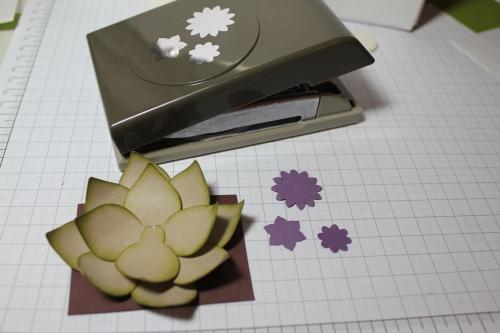 Blume/Seerose basteln mit den Framelits Formen Christbaumschmuck/Ornament Keepsakes, Bild9, gebastelt mit Produkten, Stempeln und Stanzen von Stampin\' Up!