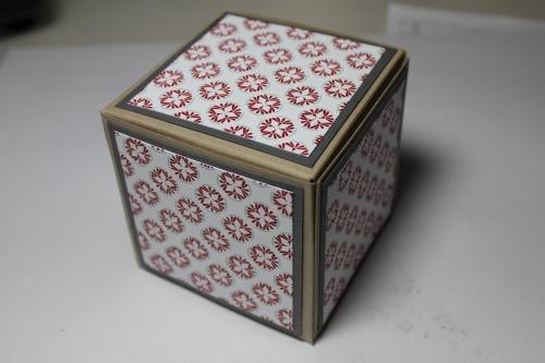 Bastelanleitung für eine Papierbox, Bild14, gebastelt mit Produkten, Stempeln und Stanzen von Stampin\' Up!