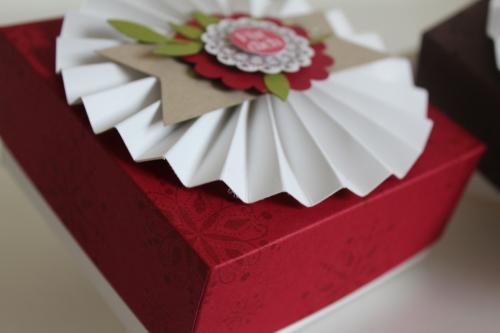 Geschenkbox, gebastelt mit Produkten, Stempeln und Stanzen von Stampin\' Up!