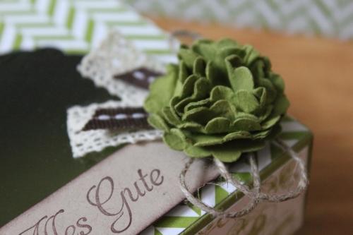 Geschenkbox/Verpackung mit Sichtfenster und Designerpapier Sommerparty, Bild2, gebastelt mit Produkten, Stempeln und Stanzen von Stampin\' Up!