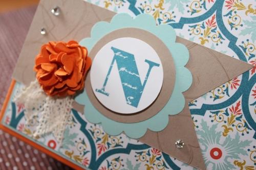gebasteGeschenkbox für Babyschuhe, benutzt wurde das Sale-A-Bration Papier